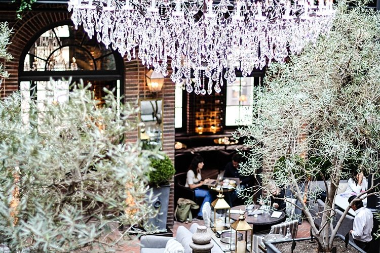 restoration hardware outlet chicago il holiday hours cafe