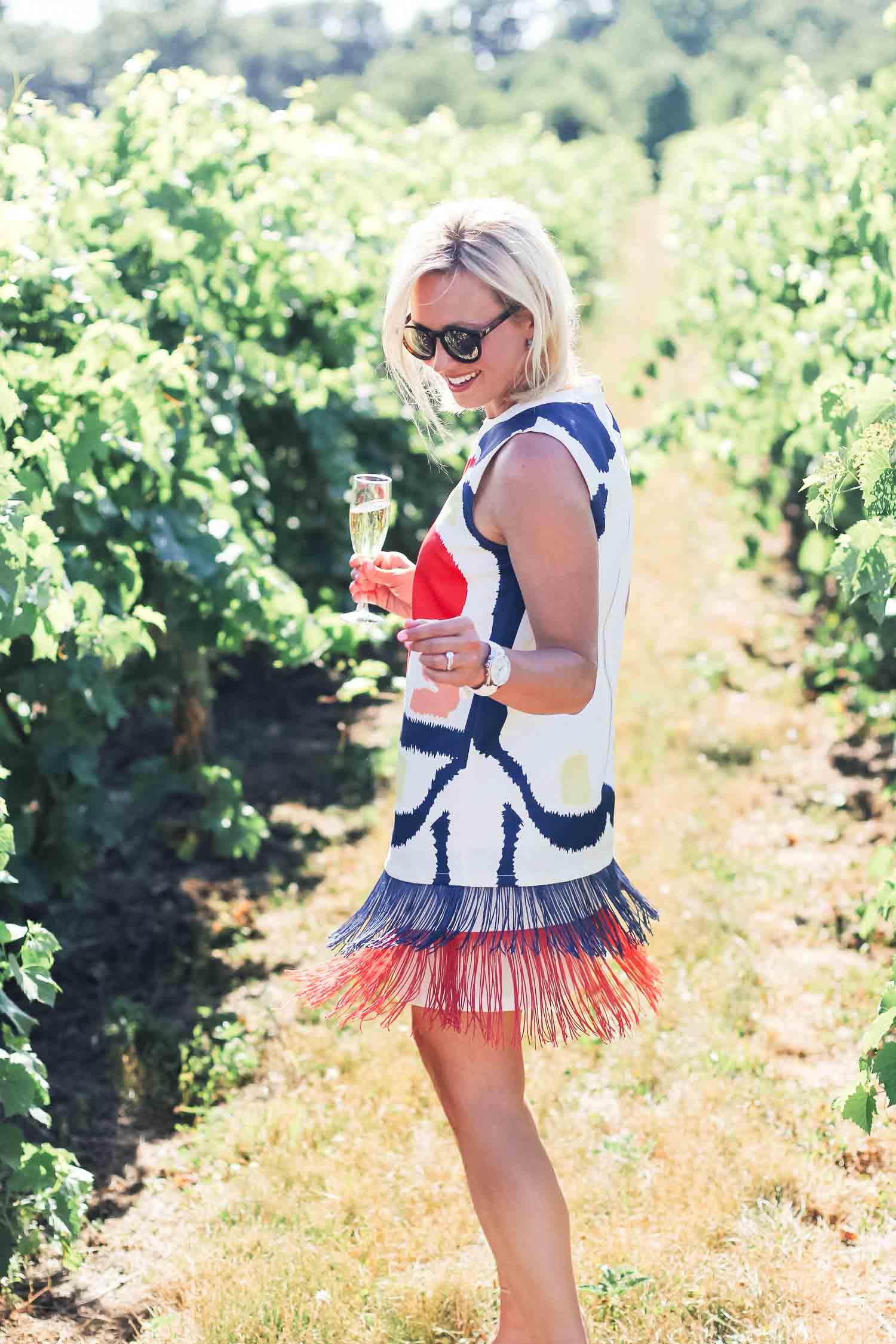 Multicolor Print Sleeveless Fringe Hem Shift Dress
