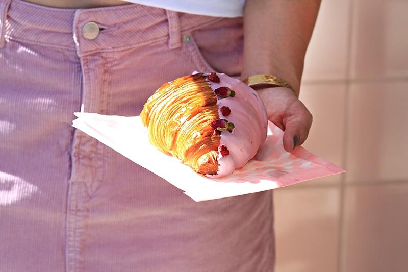 Alfred Tea rose croissant