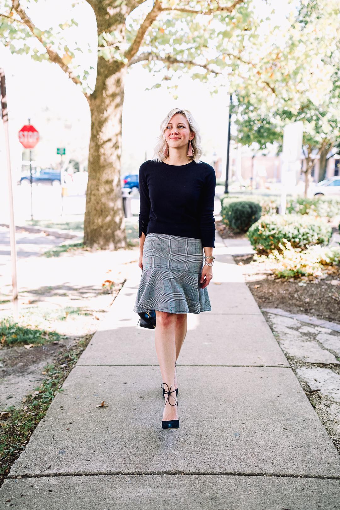 ann taylor plaid skirt cute work outfit